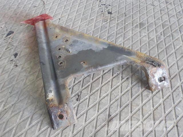 Volvo FH Bumper bracket left 3981644