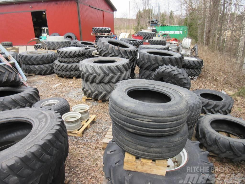 [Other] Takarenkaita traktoriin Käytettyjä (koot alla)