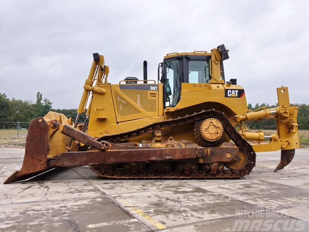 Caterpillar D8T Nice machine