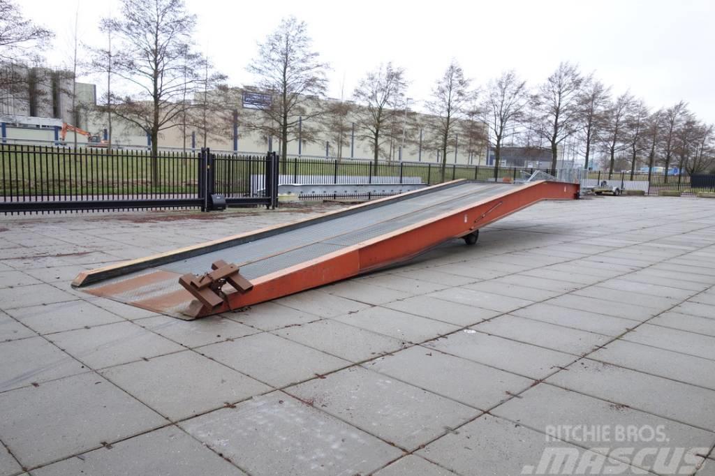 [Other] Speciaalbouw laadbrug 15m Extra lang