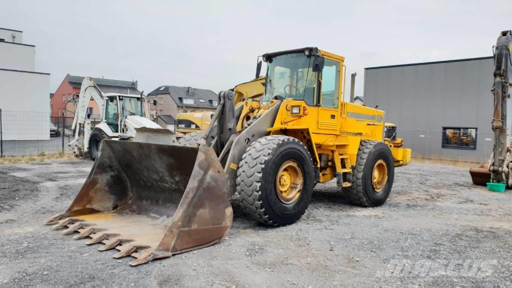 Volvo L 120 C ( 11289 hours original !! )