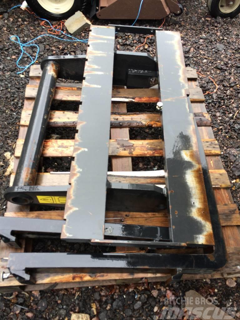 Massey Ferguson Pallet Fork & Frame