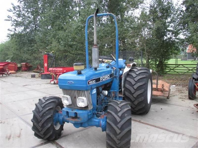 New Holland FORD 4630 ROPS