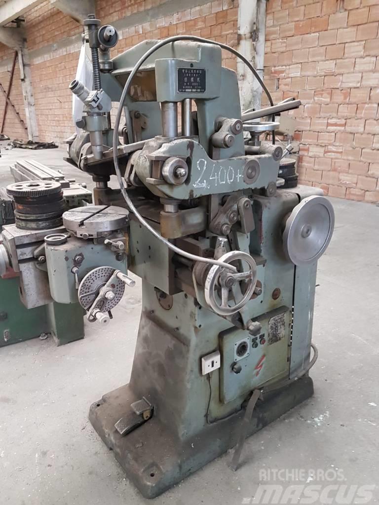 Masina de rabotat poansoane B8810-1