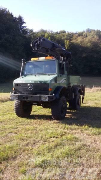 Mercedes-Benz Unimog U 2100 mit Epsilon Ladekran Holztransport