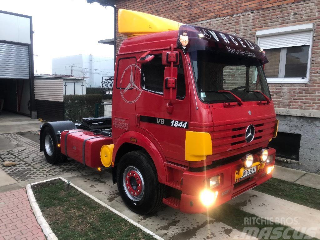 Mercedes-Benz SK 1844 LS V8