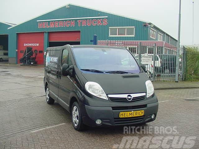 Opel Vivaro 2.5 CDTI 107 KW