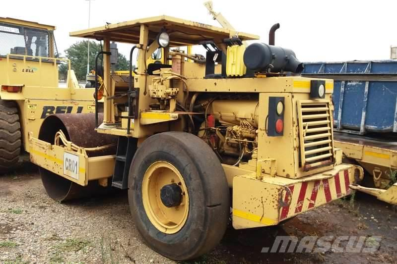 CASE W 602 BD Smooth Drum Vibrating Roller. 642.5