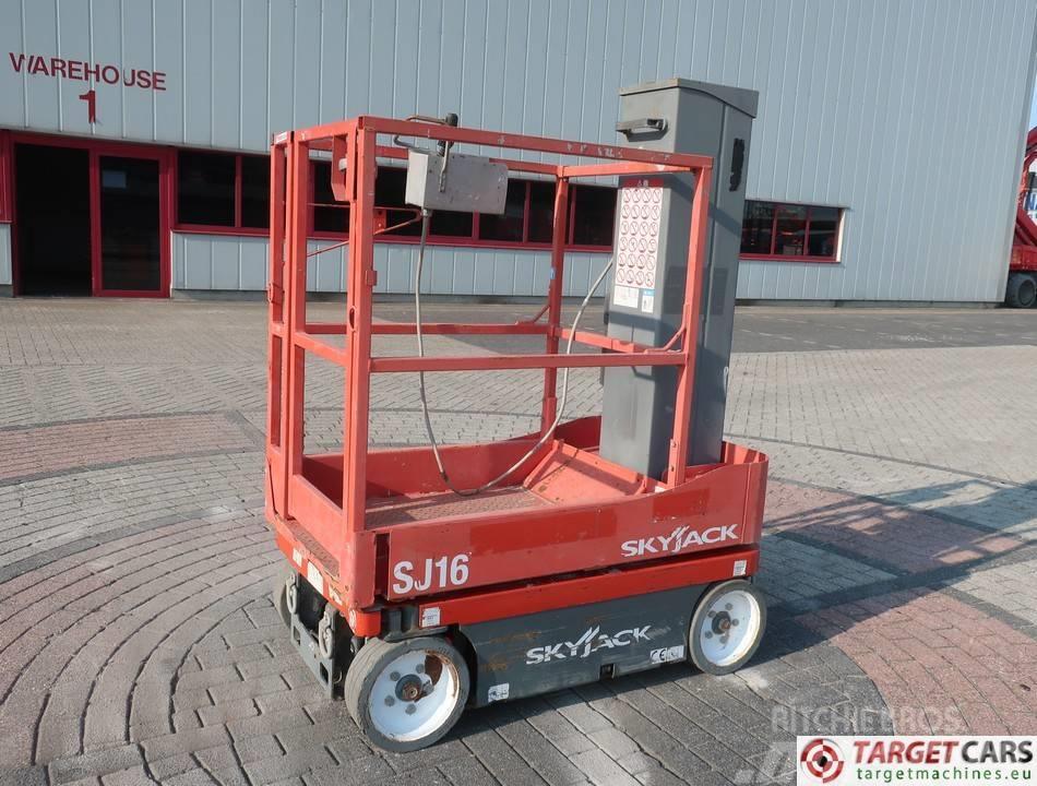 SkyJack SJ16 Electric Vertical Mast Work Lift 675cm
