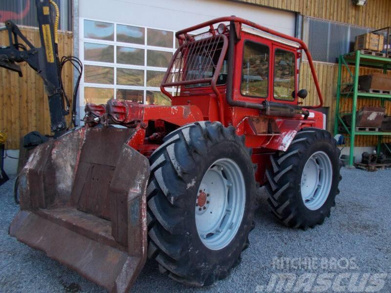 Massey Ferguson 1200 Forstanbau mit Funk