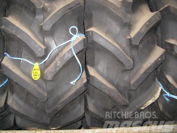 Pirelli TM 700 NYE 420/70X24