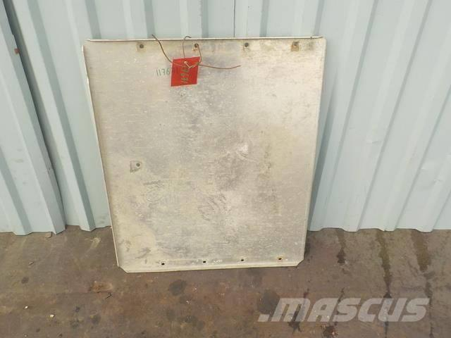 Scania 4 series Running board 7DYT000095124 1914449 22390