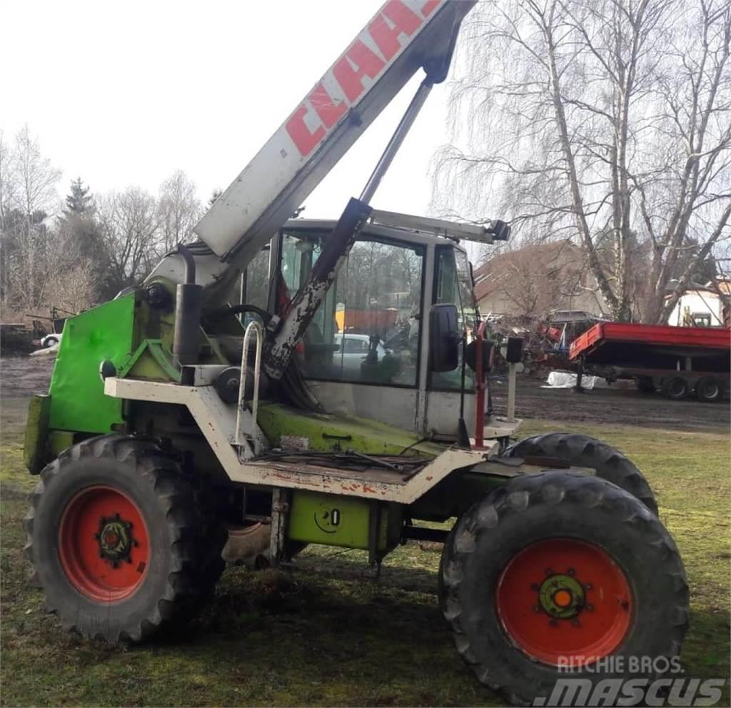 CLAAS 907 T