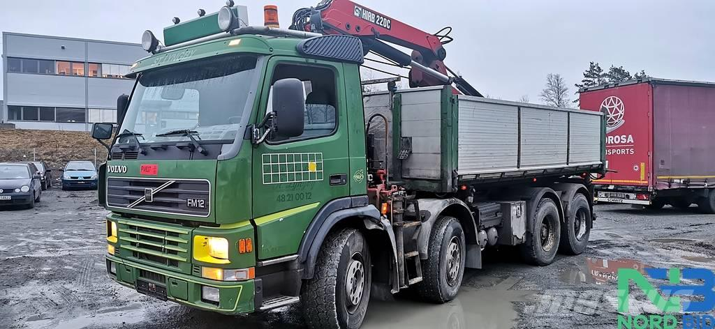 Volvo FM12 420 8x4 /3-tipper with crane HIAB 220C 18tm