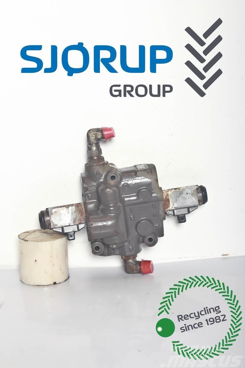 Massey Ferguson 3060 Hydraulic lift valve