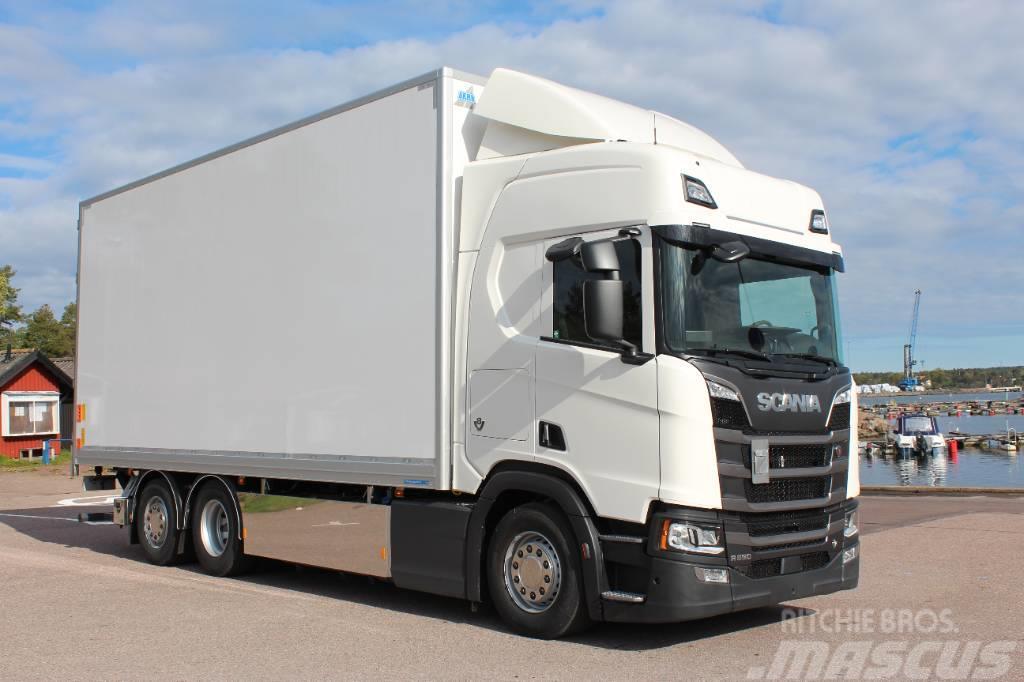 Scania R590 6X2*4