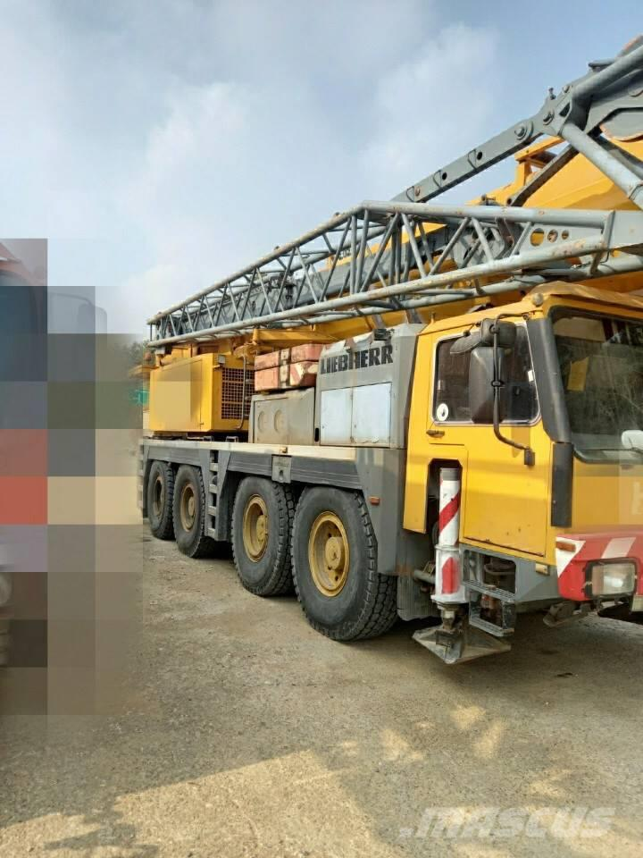 Liebherr LTM1090-2