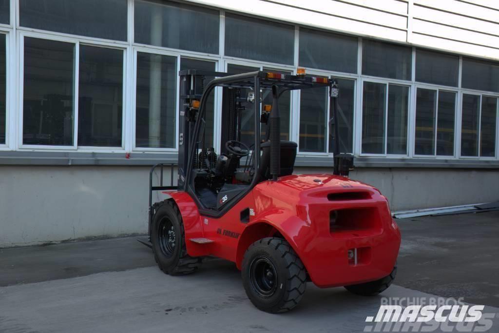 UN Forklift FD25T 2.5T 4WD Rough Terrain Mitsubishi S4S