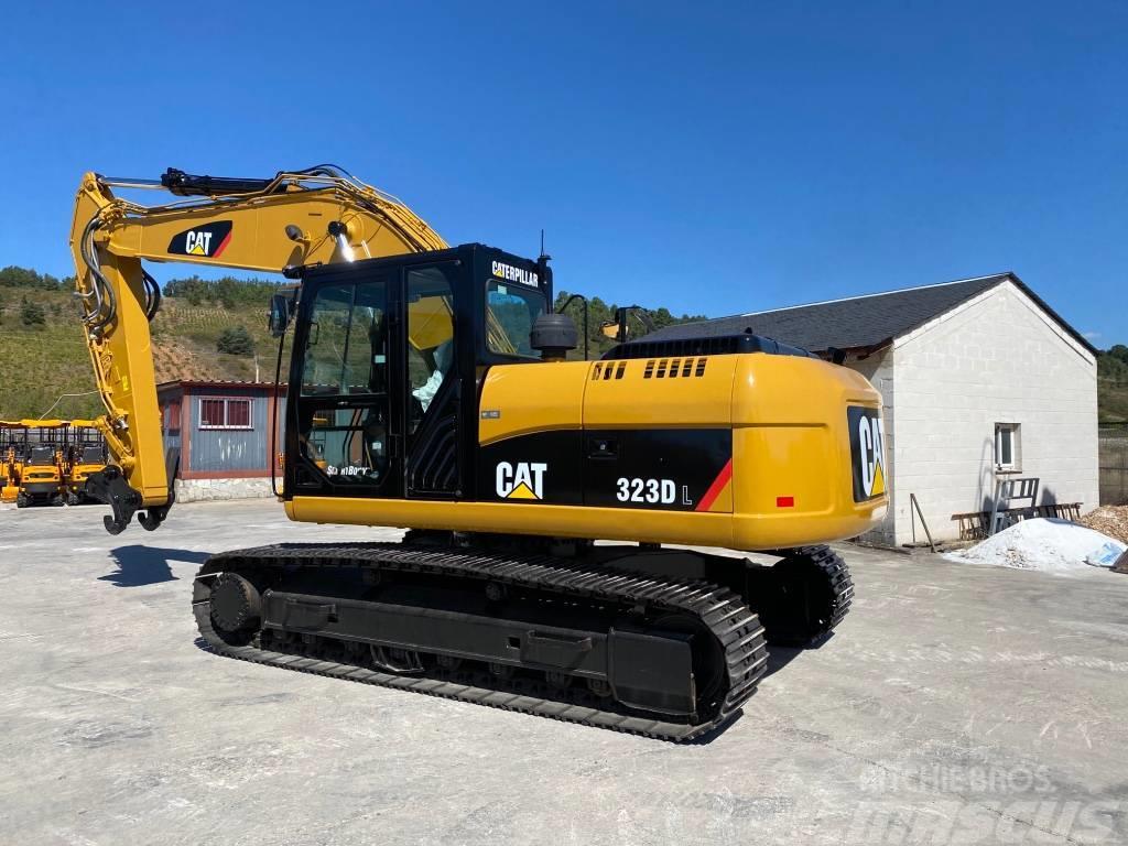 Caterpillar 323 D L