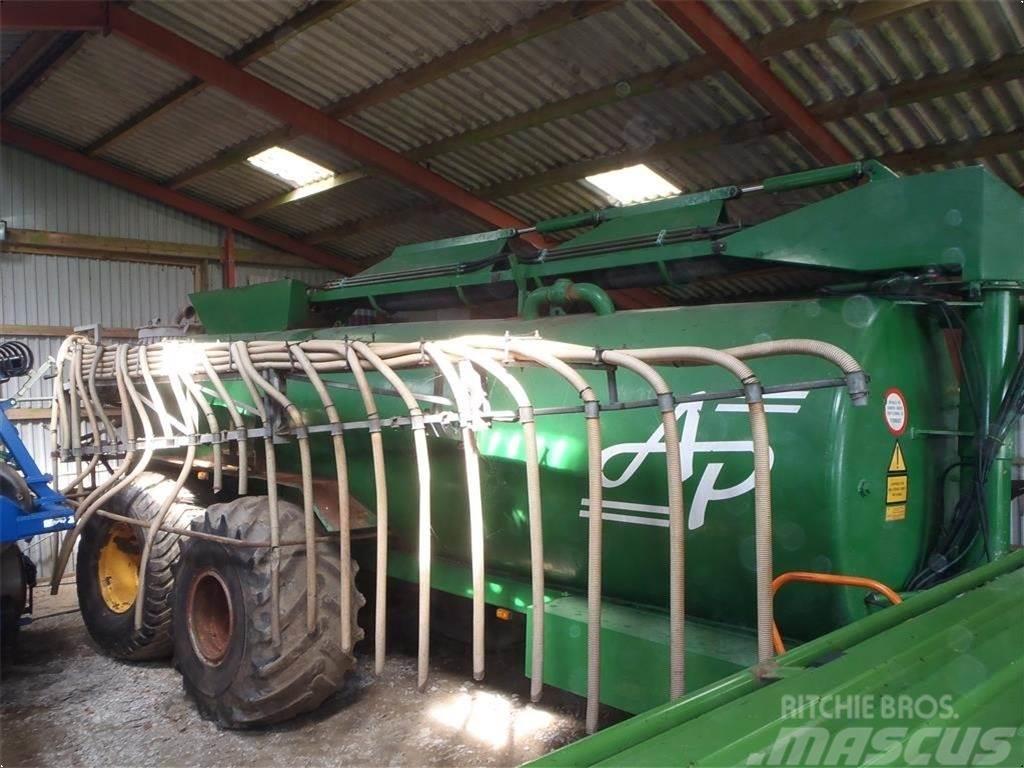 AP 20 ton med kran og 20 meter bom