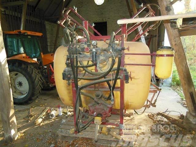 Hardi 850L, 12m, hydraulisk hejs
