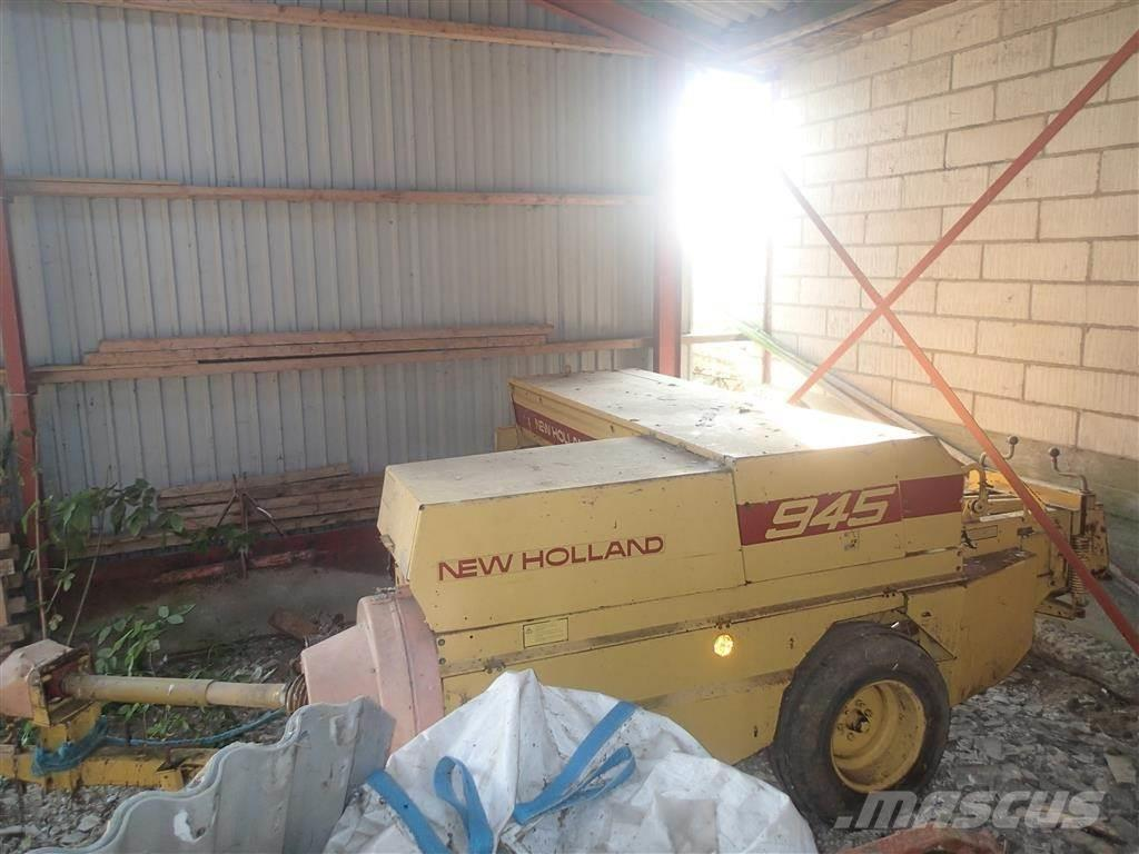 New Holland 945