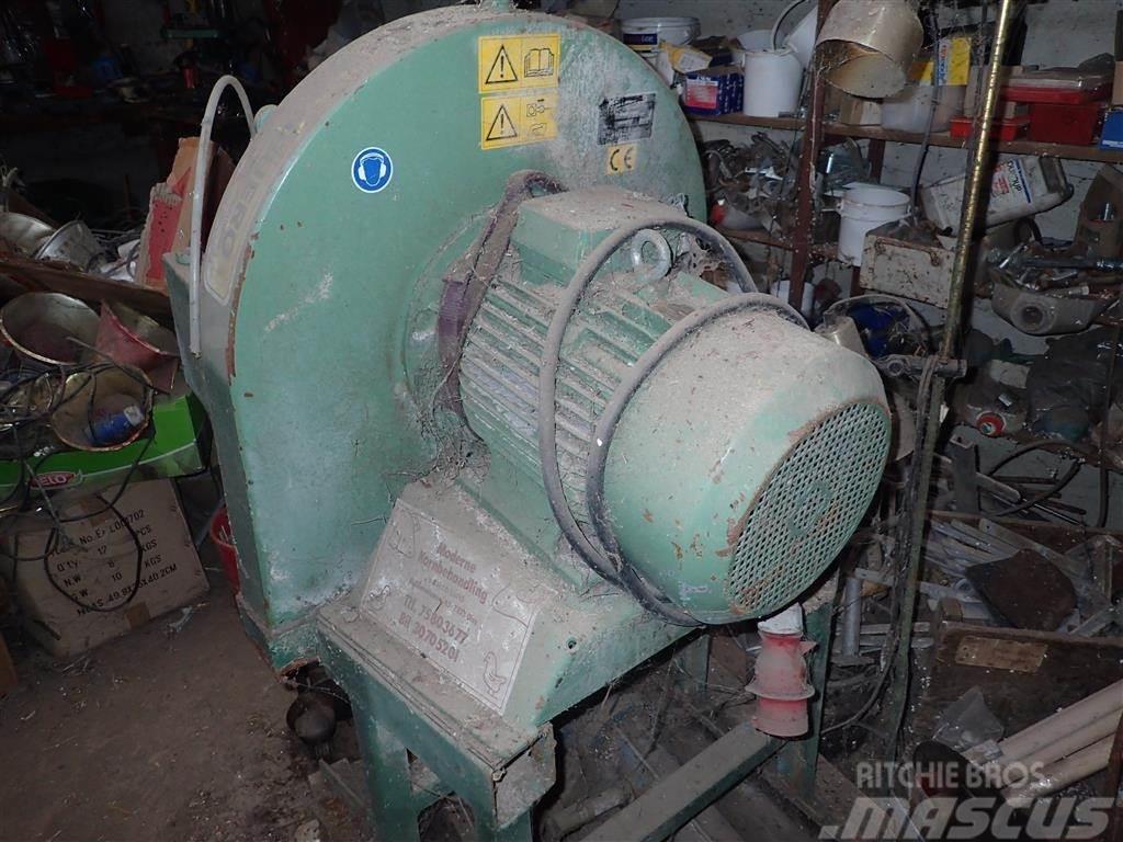 Neuero 15 hk,slaglemølle, årg. 2001