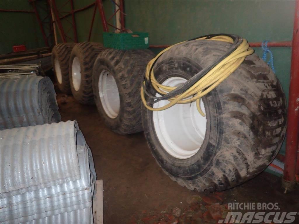 [Other] 700/50-26,5 Komplette hjul 4 stk.