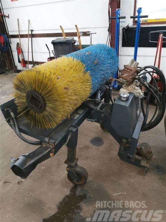 [Other] Front kost fra ISEKI Traktorder (mangler olie moto
