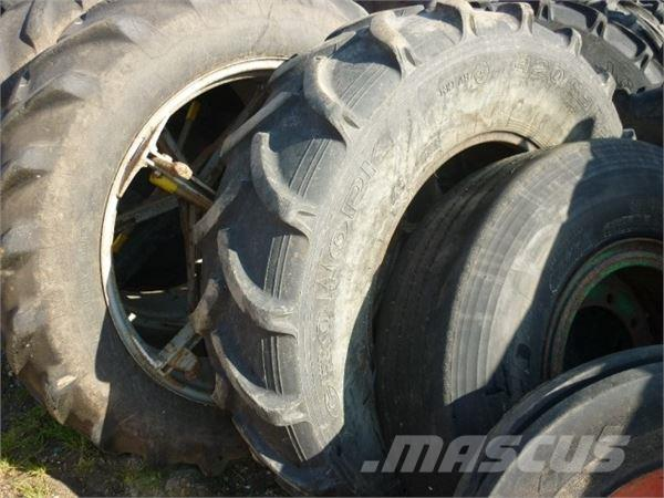 [Other] 440/85 R28