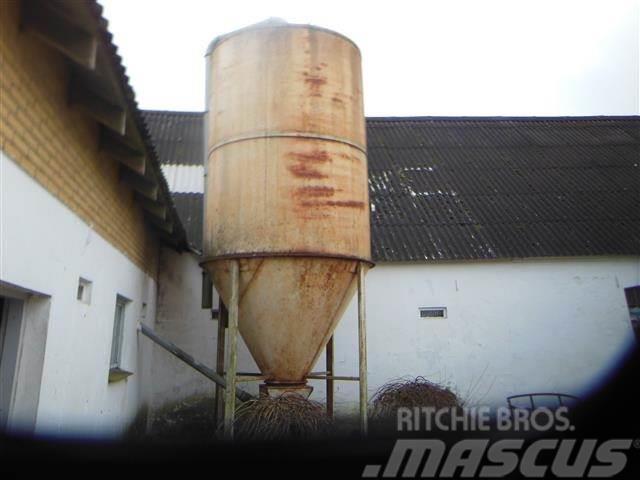 [Other] Stålsilo 9 ton Silojensen