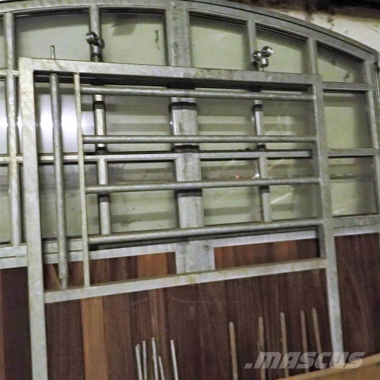 [Other] Skydelåge til hesteboks130 x 205 cm.