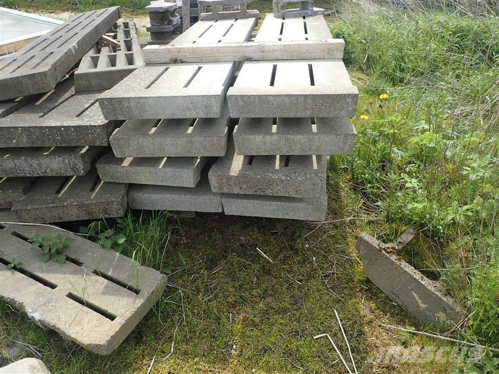 Beton spalter 230 X 50 cm, Other livestock machinery and accessories