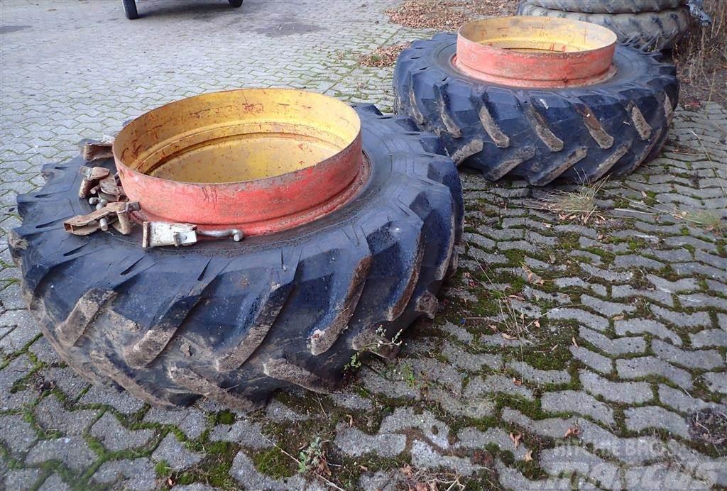Pirelli 20,8R38 med kroge