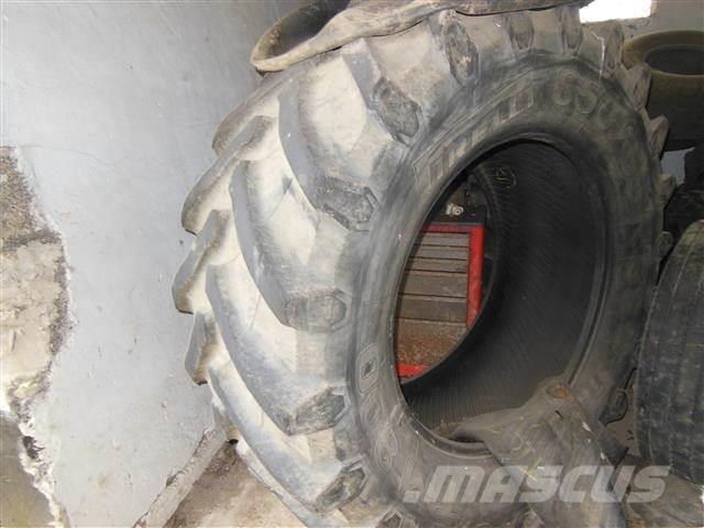Pirelli TM 800, 650/65R38, 1 stk.