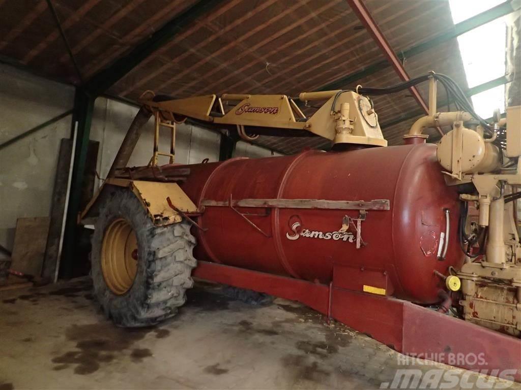 Samson 8000l slamsuger Nye dæk.