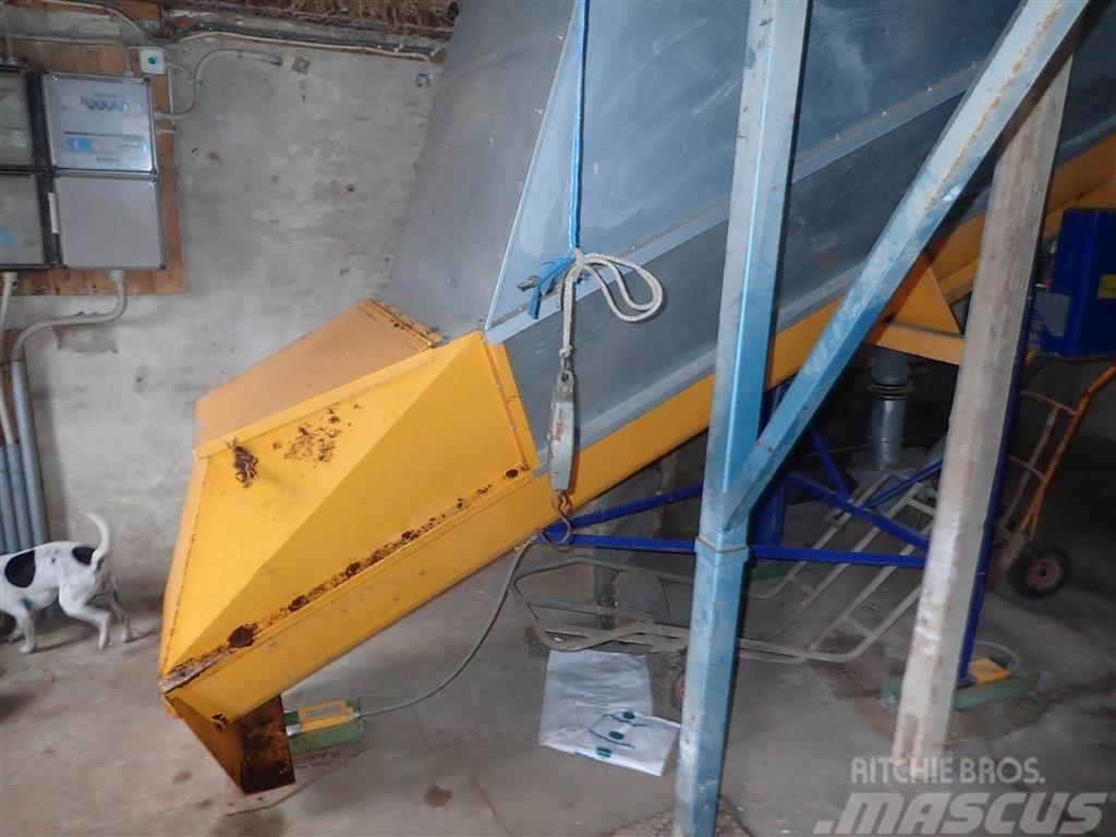 Skiold Unimix foderblander Uni-Mix 1000 med slaglemølle T