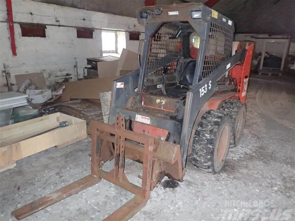 Thomas 153 S med redskaber