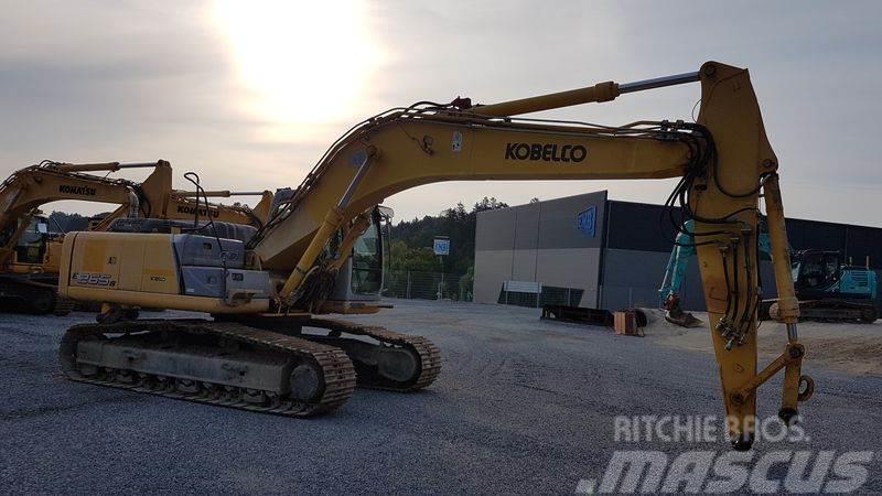 New Holland E265B