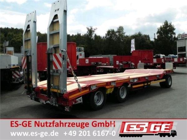 Müller-Mitteltal 3-Achs-Tieflade-Anhänger mit Rampen