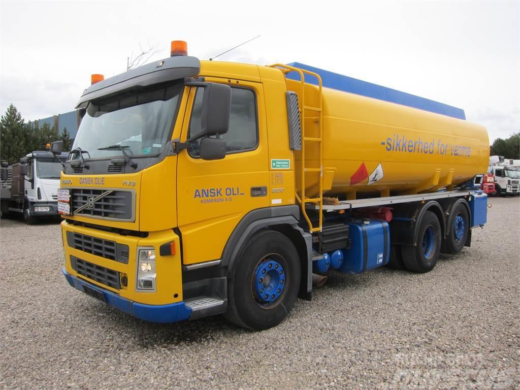 Volvo FM9 300 6x2 19.300 L ADR