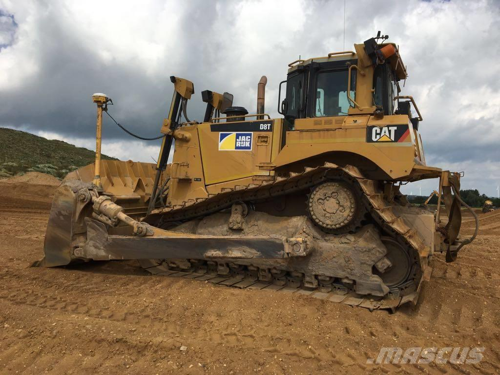 Caterpillar D8T LGP - Rebuild in 2013
