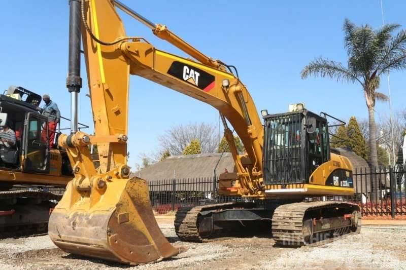 Caterpillar 323DL Excavator