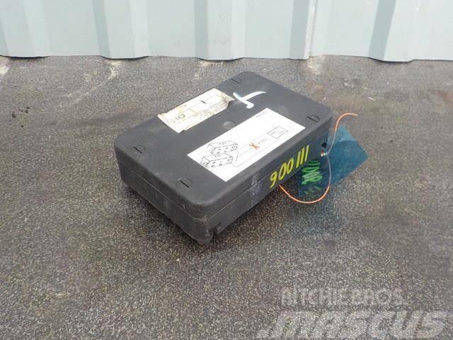 Renault Premium II Fuse box 7DYT001170229