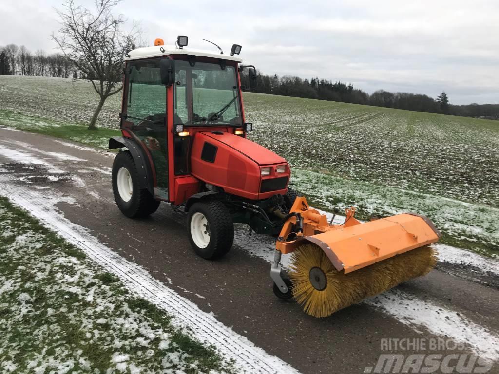 Goldoni Kompakt traktor