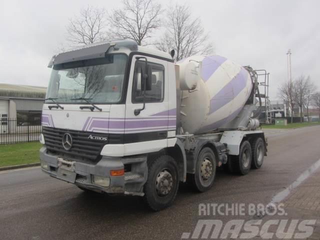 Mercedes-Benz Actros 3235 8x4 Mixer 9m3