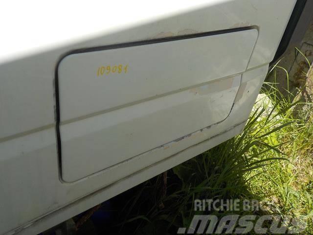 Iveco Stralis Storage compartment door 500398658