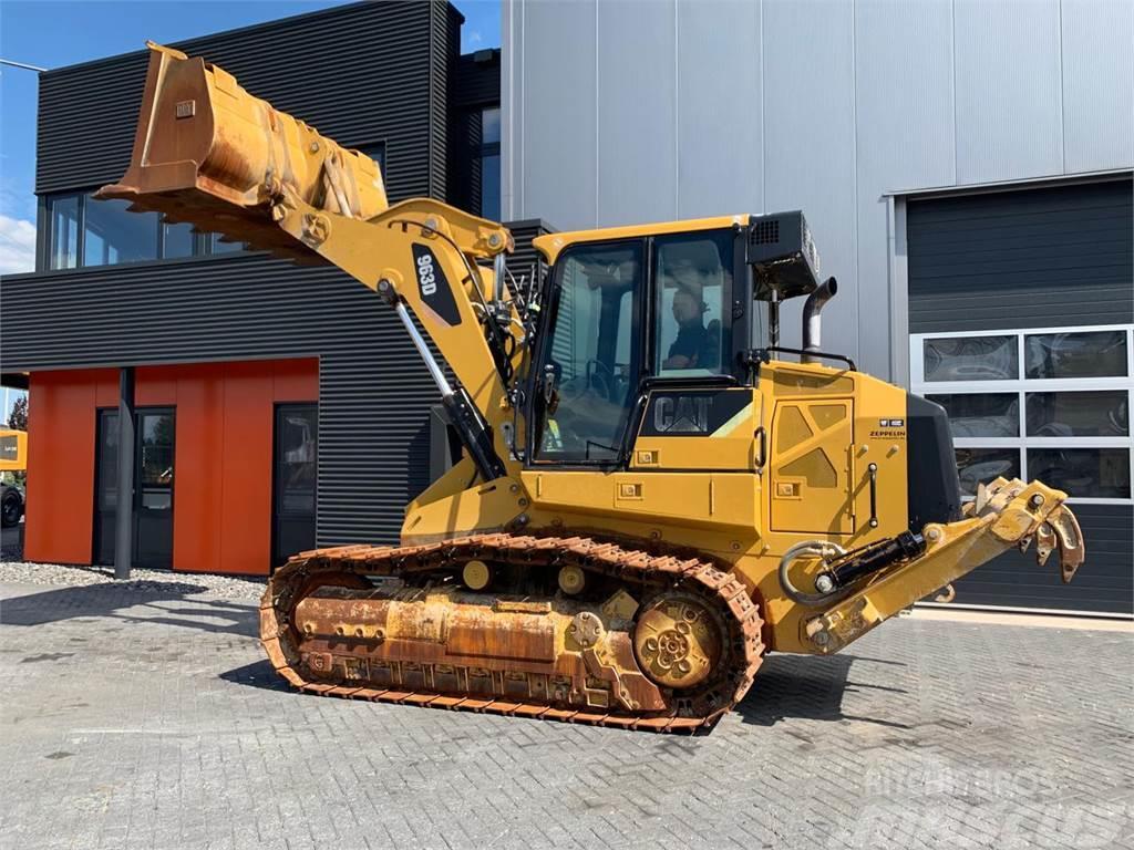 Caterpillar 963D with Ripper