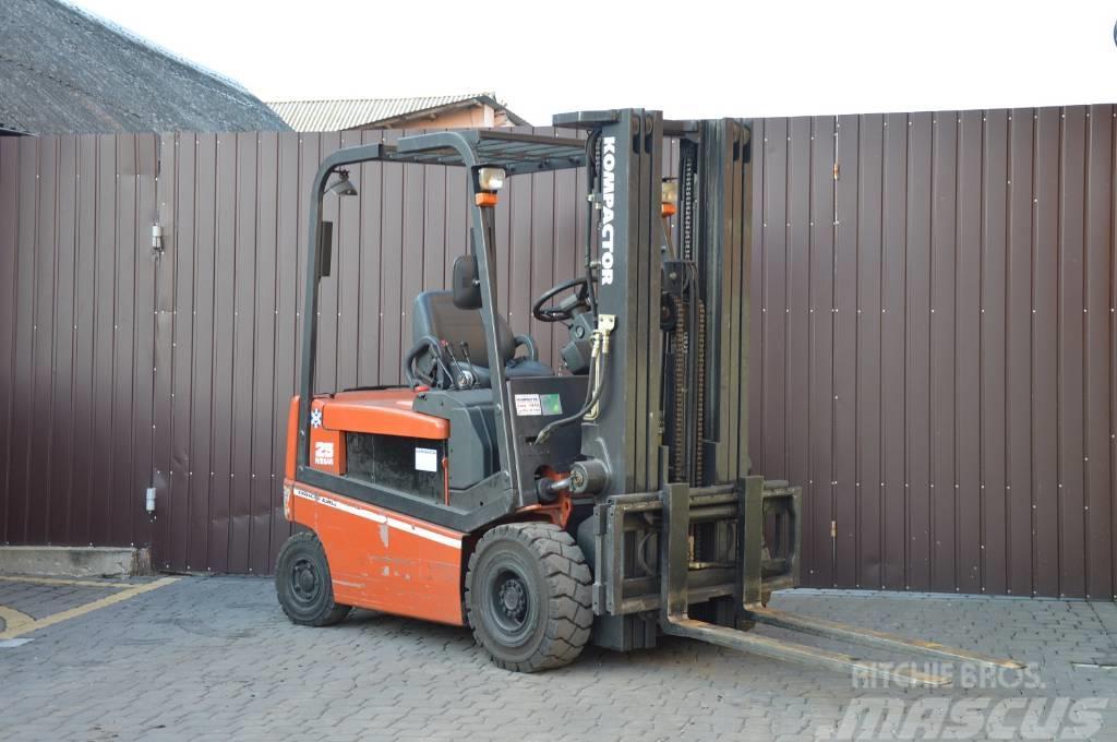 Nissan Q02L25CU 2500 kg 2005 Triplex