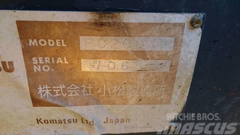 Komatsu PC200-5